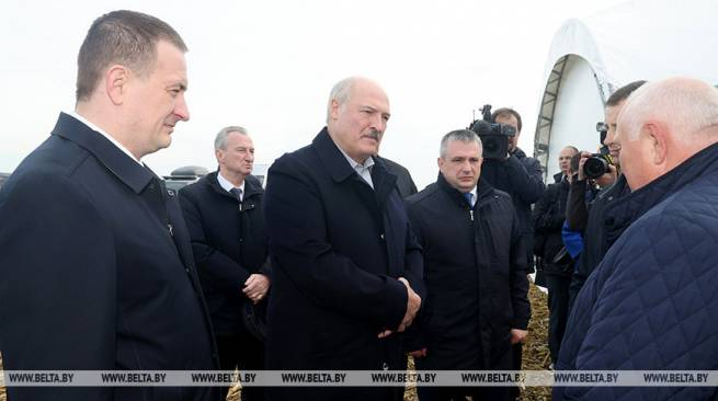 Lukashenko promises to keep prices for farm products under control in winter